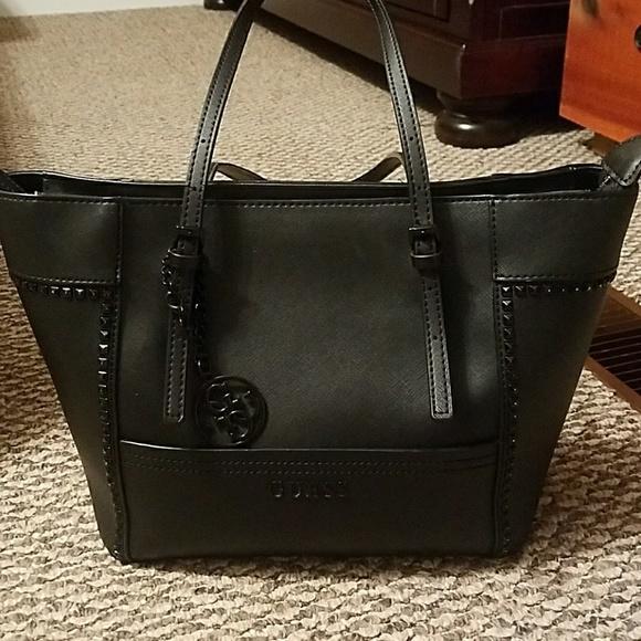 25bc5be15a Guess Handbags - Guess handbag tote Delaney black